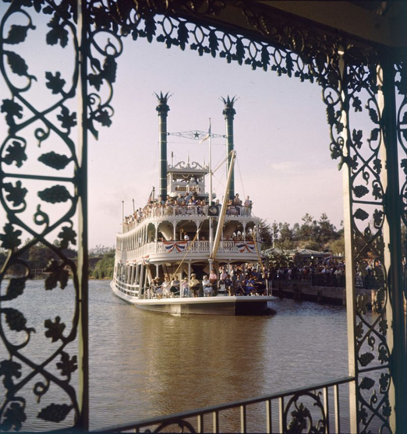 old-photos-retro-disneyland-opening-1955-2
