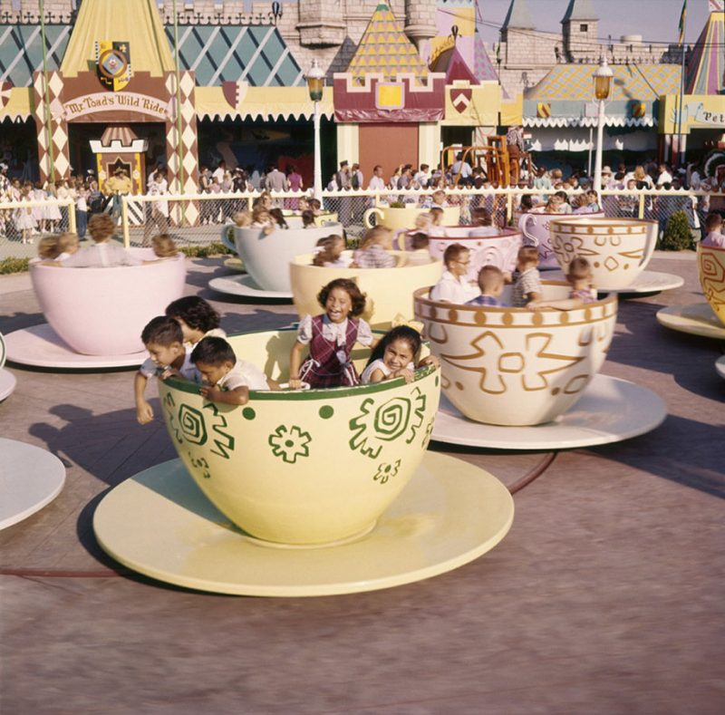 old-photos-retro-disneyland-opening-1955-20