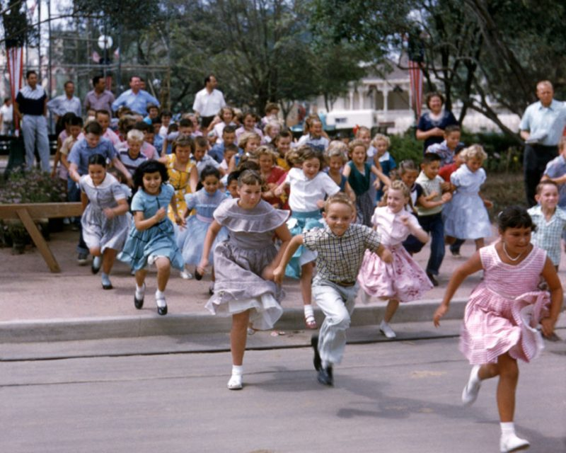 old-photos-retro-disneyland-opening-1955-23