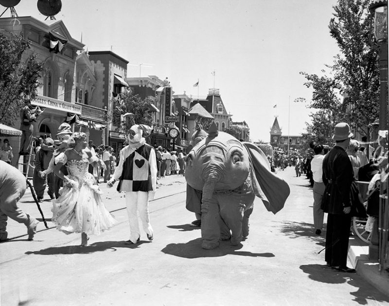 old-photos-retro-disneyland-opening-1955-7