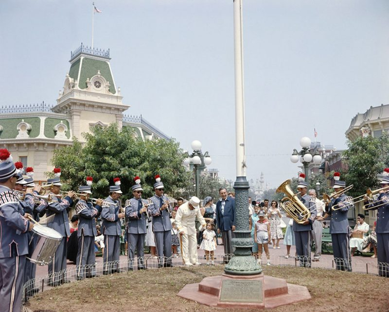 old-photos-retro-disneyland-opening-1955-8